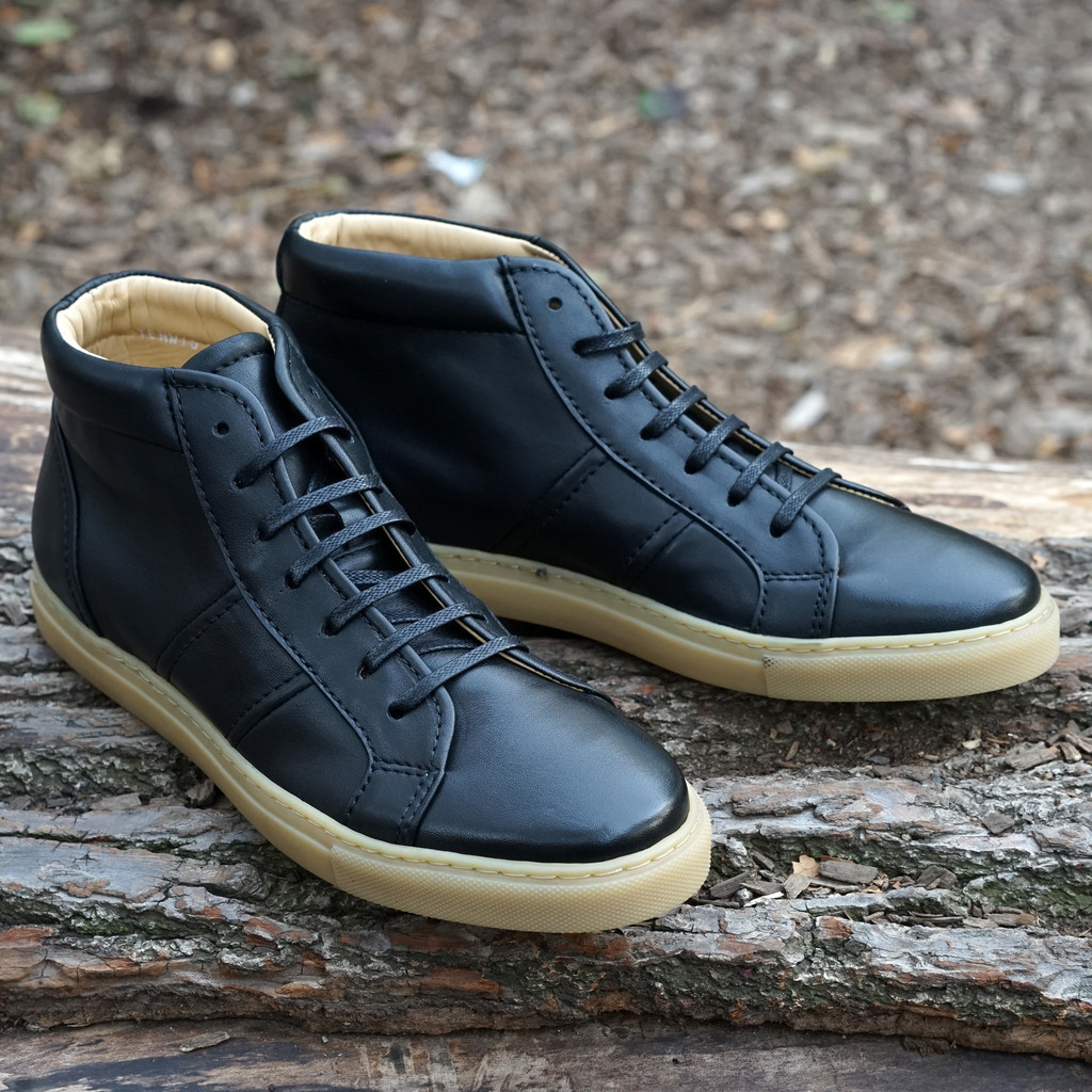 Epaulet-Tennis-Trainer-Hightop-Black